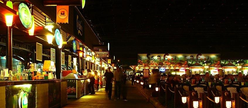 suan_lum_night_market