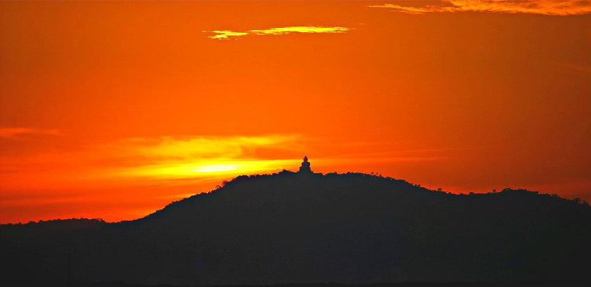 big-buddha-in-sunset