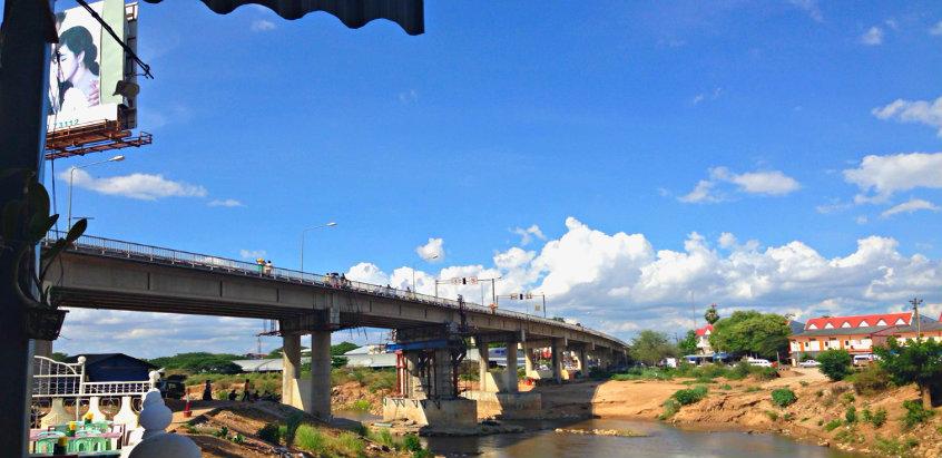 border-crossings-thai-myanmar-friendship-bridge-mae-sot