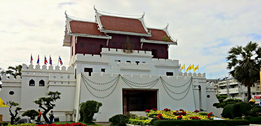 korat-city-gate