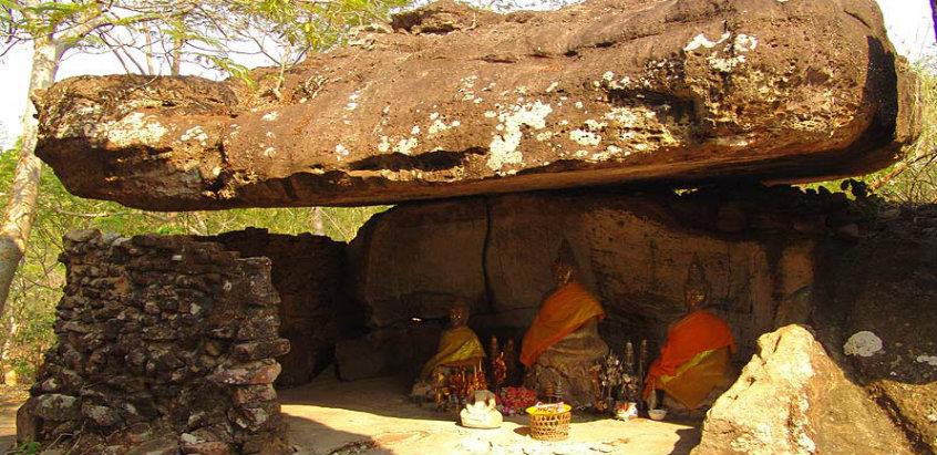 phu-phra-bat-historical-park-udon-tha